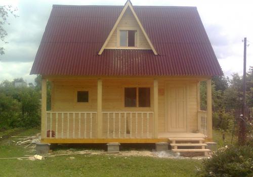 Простой дом из бруса