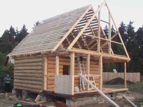 Строим крышу из бруса