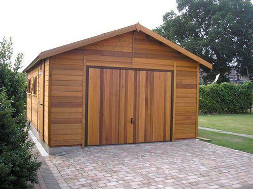 Строим гараж из бруса